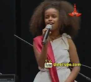 Watch Ethiopian Littel Girl Singing and Dancing The Somali Tradition