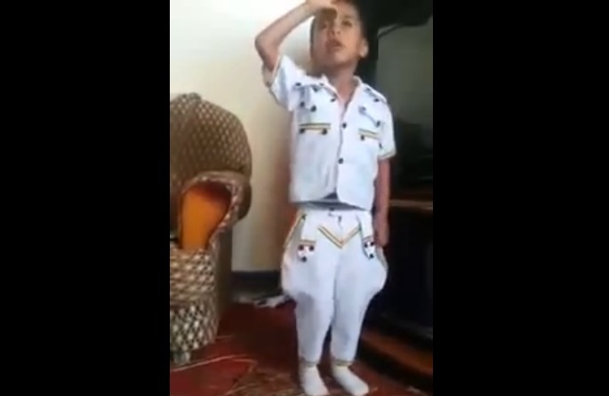 Very Funny Ethiopian Kid singing Ere Minun Setesh