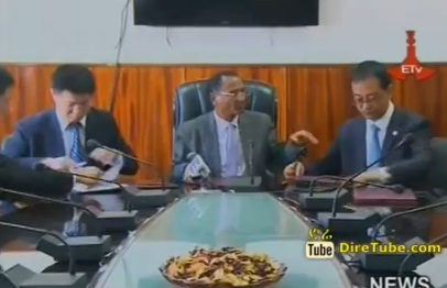 Ethiopian Road Authority Signs Contract Agreement with 2 Chinese Companies