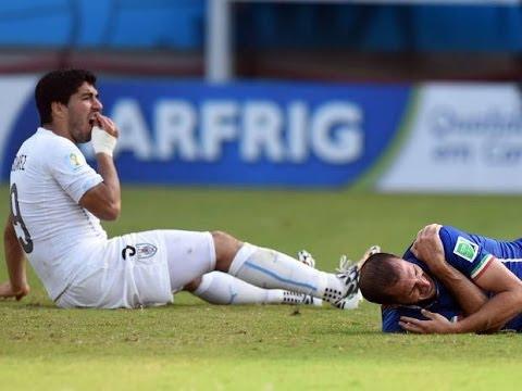 Luis Suarez BITES Giorgio Chiellini! Italy 0-1 Uruguay - World Cup 2014