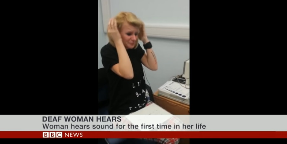 Deaf woman hears after 40 years of silence,2014