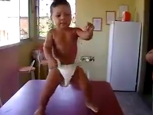 Bimbo Dancer by a Baby Boy [Funny Must See]