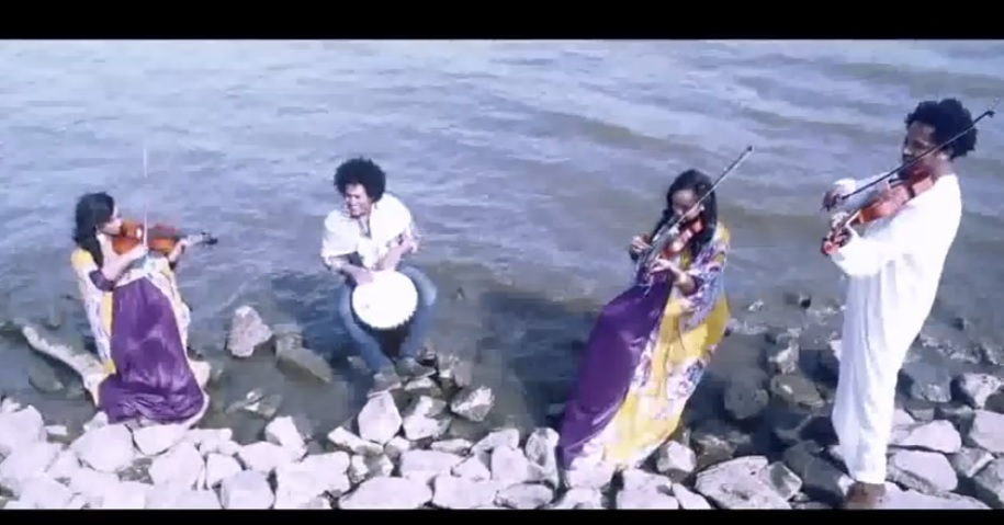 Algitar (Tinishu Tilahun) [Ethiopian Music Video]