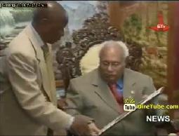 President Girma receive ABETO Africa Peace Award 2013