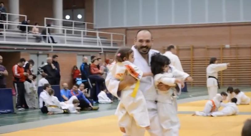 Little girls judo fight