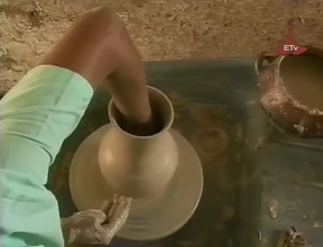 Making Japaneses Style Clay in the Tourist City of Gondar