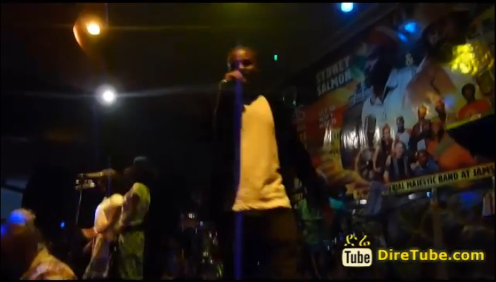 Anchi Yene Performing Live