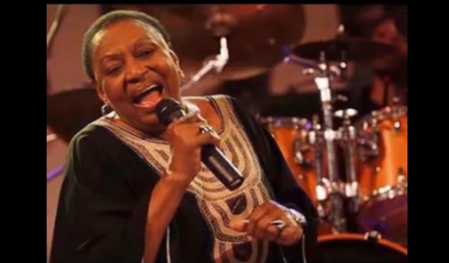 Mariah Makeba - TizAlegne Yetintu (ትዝ አለኝ የጥንቱ) -Tilahun Gesesse 's Song Covered