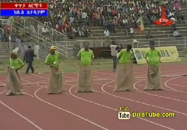 Male Comedian 50 meter Race [Funny Must See]