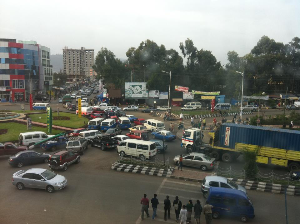 Sunday Traffic @Bole Medhanialem