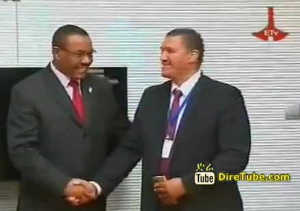 PM Halemariam confers with South African Delegation