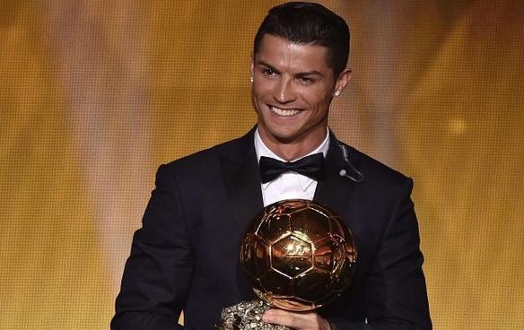 DireTube Sport - Cristiano Ronaldo wins Ballon d'Or over Lionel Messi & Manuel Neuer
