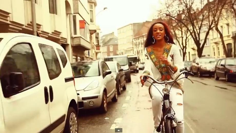 Eshi Bel (እሺ በል) - [New Ethiopian Music Video 2015]