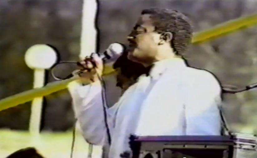 Tewodros Tadesse - Best Live Performance (እየቆረቆረኝ) @Meskel Square