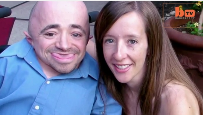 Amazing Real Life - Tiny Husband: Larger Than Life Couple Shows Love Knows No Bounds